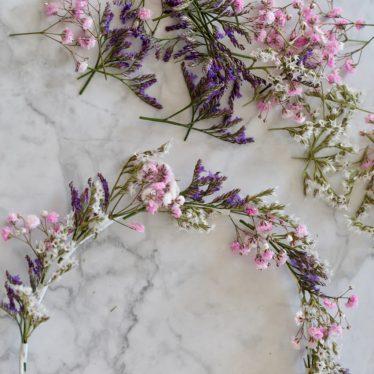 Ein Blumenkranz für die Haare zum blitzschnell Selbermachen